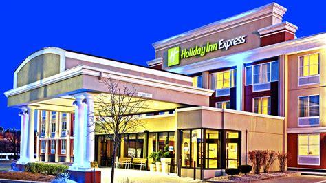 comfort inn comstock park mi comfort suites grand rapids comfort suites grand rapids
