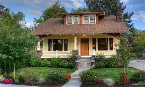 what is a bungalow home craftsman bungalow characteristics classic craftsman bungalow homes craftsman bungalow style
