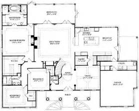 4623 square feet 7 bedrooms 5 batrooms 2 parking space