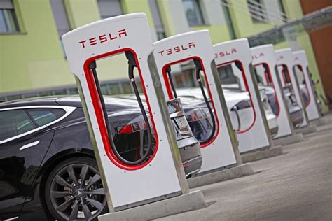 Superchargers Tesla Tesla Superchargers Will Charge Your Car And Your Money