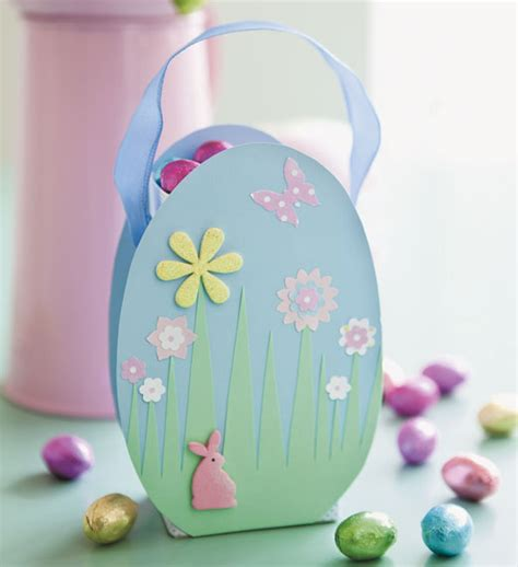 How To Make Easter Decorations Out Of Paper - easter decorations crafty decoration ideas for laying the