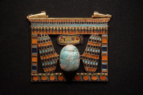 slideshow king tuts tomb treasures    la  kpcc