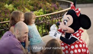 A Place About A Deaf Family Disney World S Tinkerbell Signs With Deaf During Heartwarming Daily Mail