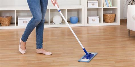 tips for cleaning laminate floors corner