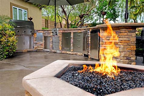 outdoor kitchen ideas and how to site it right traba homes ck homesolutions outdoor kitchens