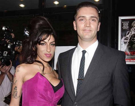 Winehouse Engaged by Winehouse Was Secretly Engaged To Boyfriend Reg Traviss