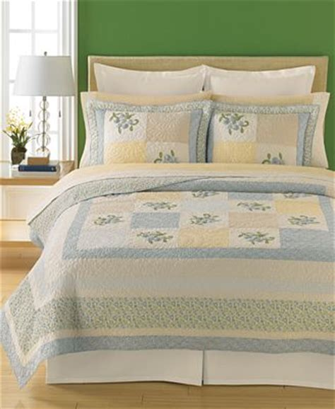Martha Stewart Bedding Quilts by Closeout Martha Stewart Collection Trailing Flowers Collector S Quilts Quilts Bedspreads