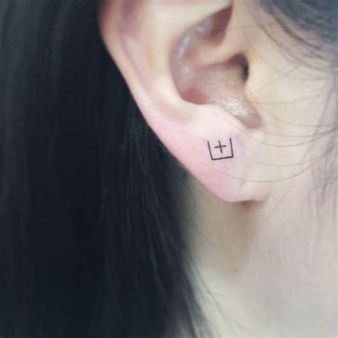 tattoo behind ear lobe ear lobe tattoo best tattoo ideas gallery