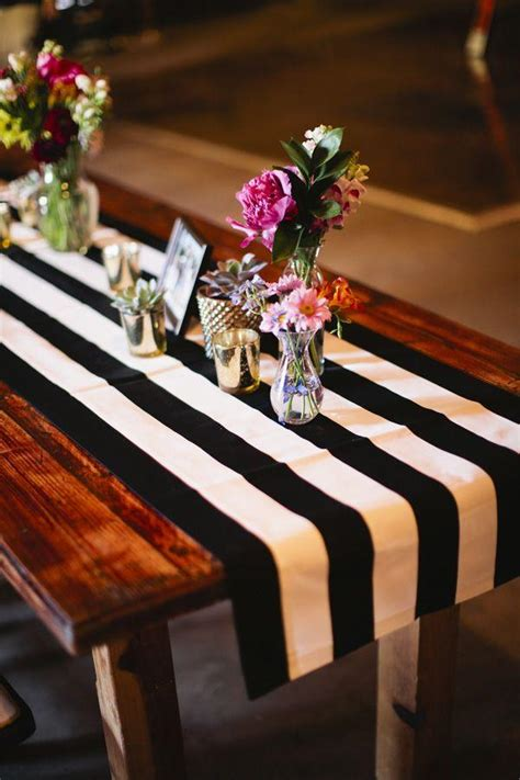 black  white wedding ideas  love deer pearl flowers