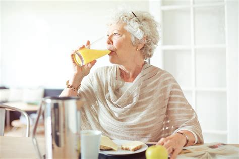 home care solutions how seniors can lower cholesterol