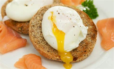 cucinare uova in camicia uova in camicia tutti i segreti leitv