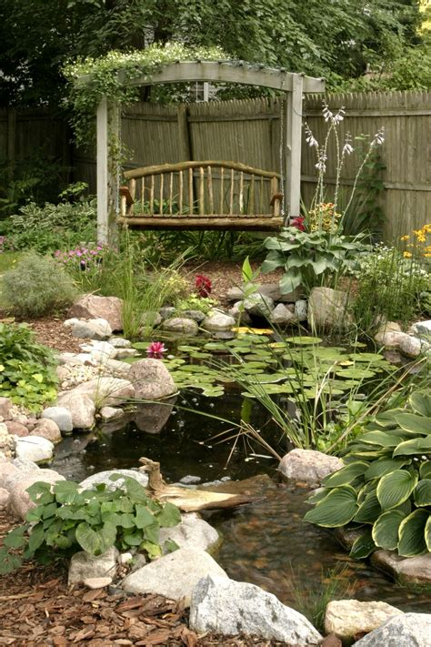 pond backyard 53 cool backyard pond design ideas digsdigs