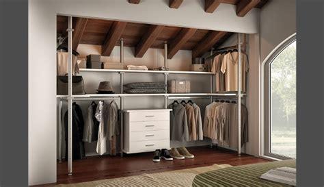 cabine armadio in mansarda cabina armadio un angolo tutto da creare su misura
