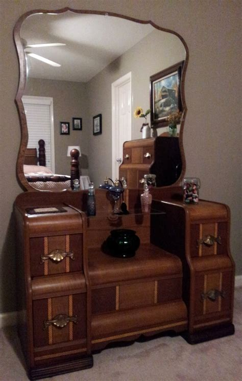 want so bad art deco 1930 s waterfall bedroom set 1930 s waterfall vanity furniture pieces i love