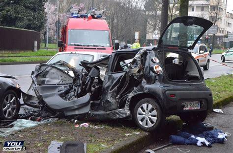 si鑒e auto monza sul luogo grave incidente a monza le auto distrutte