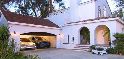 Tesla Home Solar Roof Tile Tesla Fashion Statement Ups Battery Center
