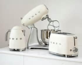 Delonghi Toaster Reviews Smeg Tsf01cruk 50 S Retro Style 2 Slice Toaster Tsf01cruk