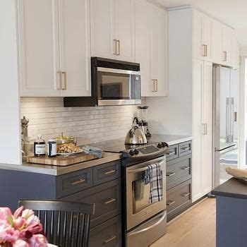 oxford white kitchen cabinets 1000 ideas about cabinets on cabinets