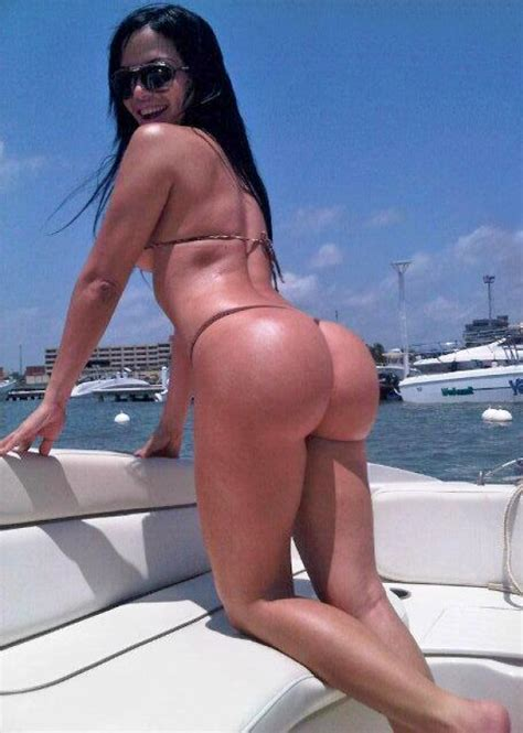Bubble Butt On A Boat Booty Of The Day