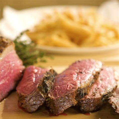 seared tri tip steak with bearnaise sauce and pommes