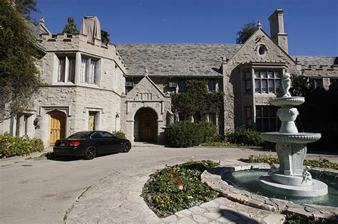 Playboy Mansion Floor Plan by Mystery Illness May Be Tied To Playboy Mansion S Famed