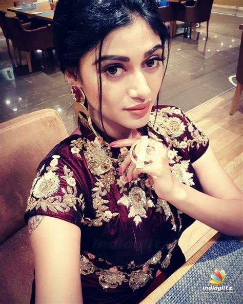 actor oviya news oviya photos malayalam actress photos images gallery