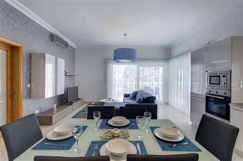 cambridge 2 bedroom apartments luxury 2 bedroom apartment in fort cambridge buena vista