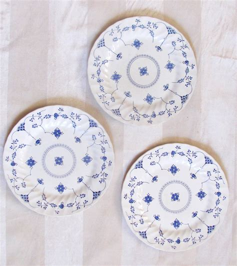 plates as wall decor 3 blue and white vintage plates blue white wall decor