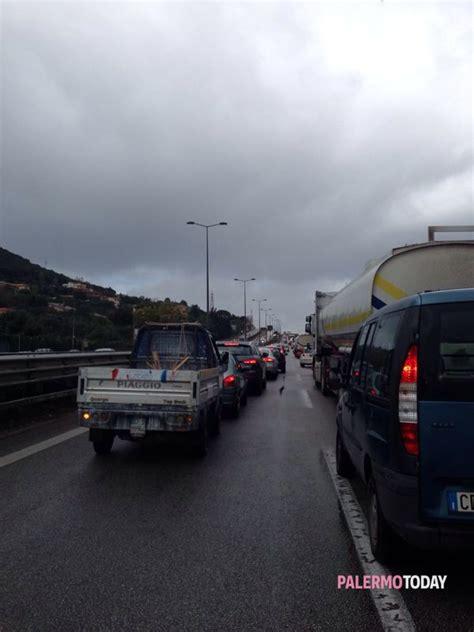 autostrada web tir in fiamme in autostrada
