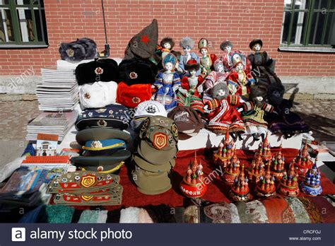 Souvenir Piring Pajangan Moscow Rusia souvenirs soldiers hats and dolls st petersburg russia