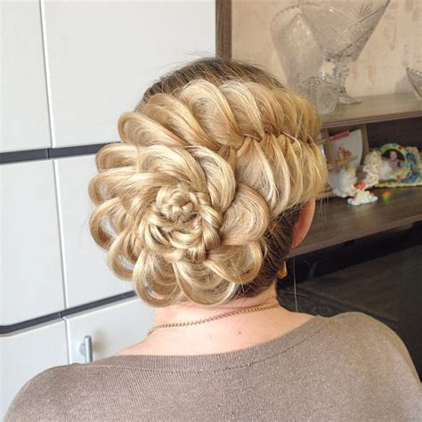 Prom Hairstyles For Hair Updos by Prom Hairstyles 15 Utterly Amazing Hairstyles For Prom