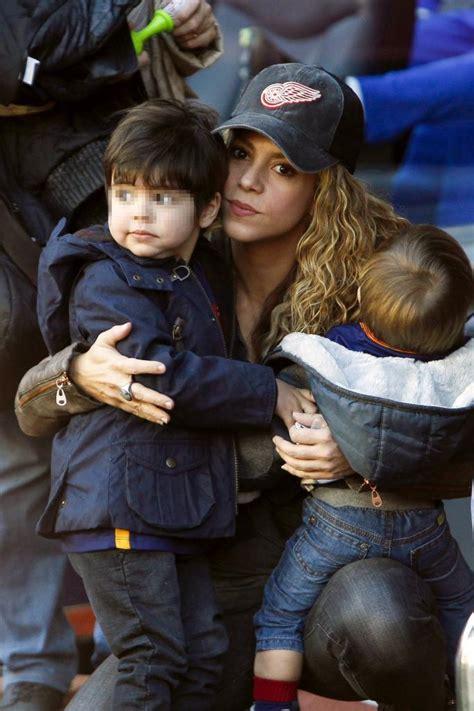 el album de los recuerdos de milan pique view image shakira esposa de piqu 233 junto a sus hijos deportes