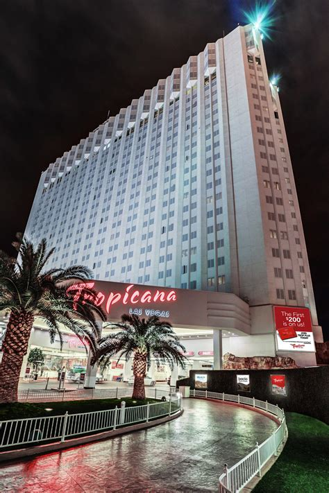 las vegas lounge live acts tropicana lounge tropicana las vegas a doubletree by hilton hotel in las