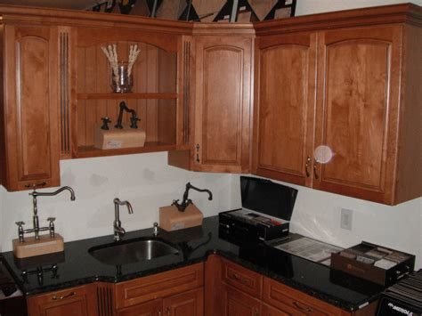 who makes kraftmaid cabinets furniture make a wonderful kitchen by using kraftmaid