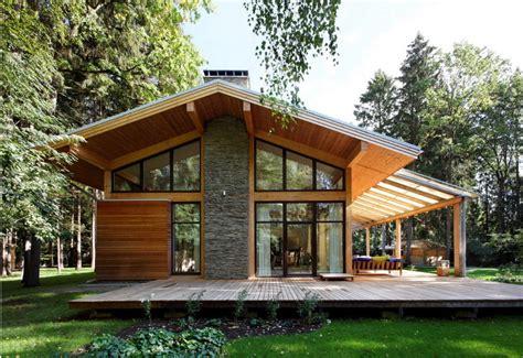 Fachadas de madera y piedra
