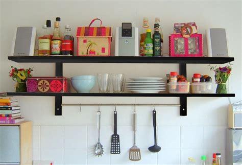mensole per cucine mensole o pensili per la cucina guida ragionata alla scelta
