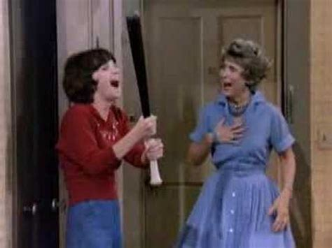 theme song laverne and shirley laverne shirley theme youtube
