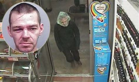 Travel To Usa From Uk With A Criminal Record Is This The Uk S Worst Criminal Robber Tries To Hide Using A Clear Bag Uk