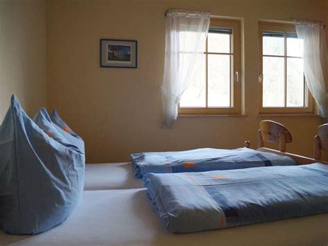 schlafzimmer doppelbett ferienwohnung pfundstein schwarzwald familie und