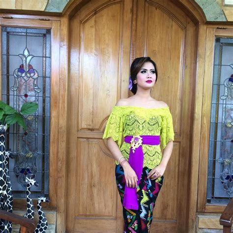 Dress Merah Tali 17 best images about kebaya on kebaya brokat jakarta and instagram