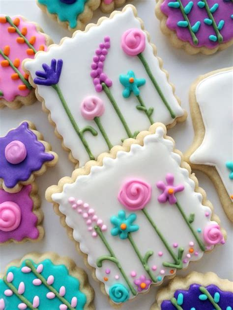 best decorated cookies best 25 decorated cookies ideas on decorated