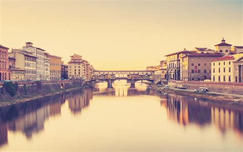 a firenze ponte vecchio the oldest bridge in florence