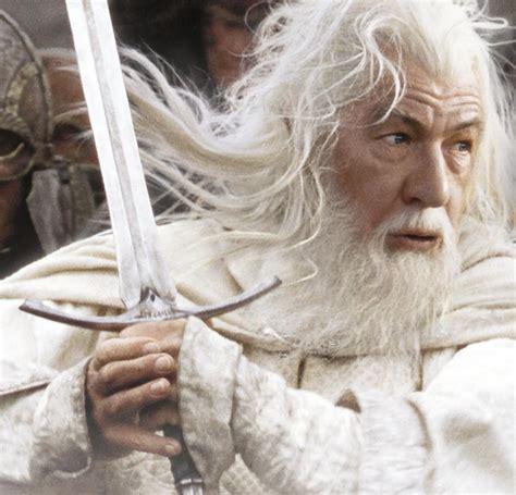 the battle of gandalf vs dumbledore reactor