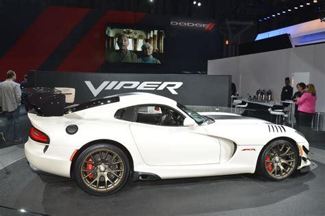 ny auto show dodge viper acr still has it carscoops com