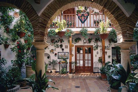 cortile spagnolo festival dei cortili di cordova spagna in fiore