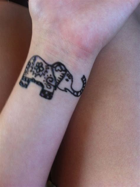 henna elephant tattoos henna elephant www imgkid the image kid has it