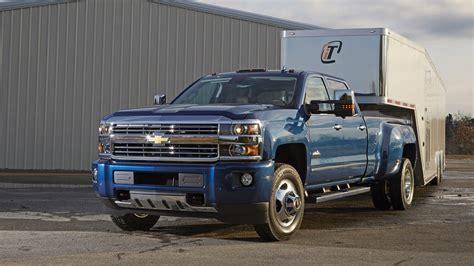 chevrolet silverado offers trailering system