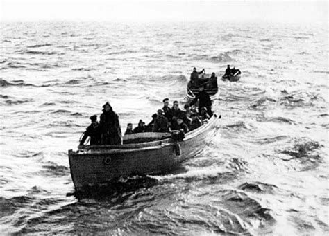 31st may 1940 one of the little ships approaches dunkirk