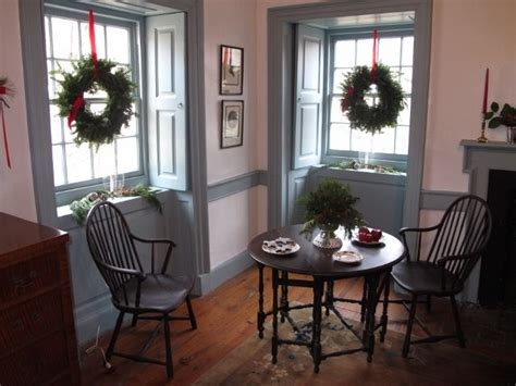 how to decorate a colonial home windsors and a gate leg table colonial style decorating