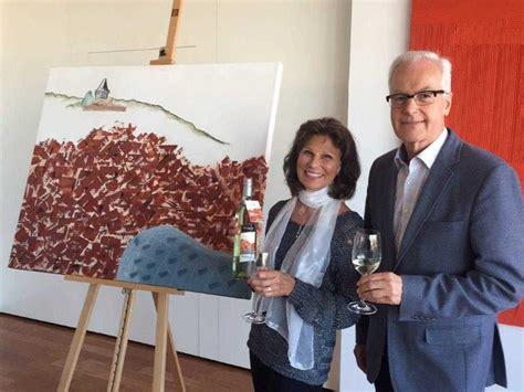 Etiketten Drucken Graz by Wein Aus Graz Malerin Beate R 252 Sch Schuf Die Etiketten